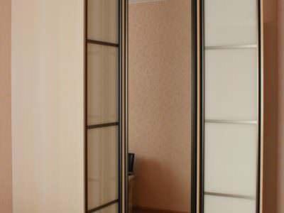 Шкаф-Угловой Oracal+Зеркало